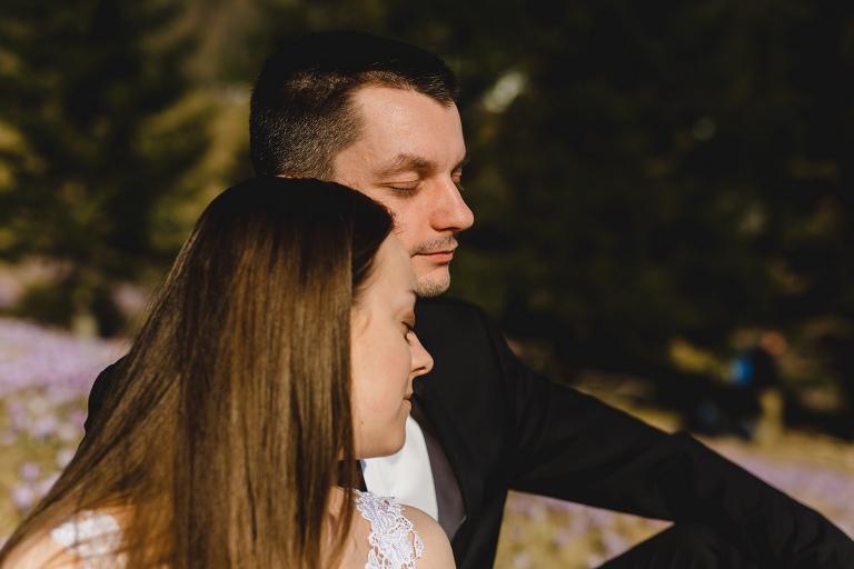 Natalia i Artur 293 krokusy, oryginalny plener ślubny, plener ślubny, sesja ślubna, sesja w tatrach