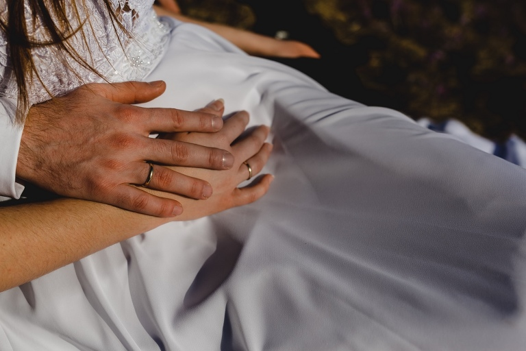 Natalia i Artur 299 krokusy, oryginalny plener ślubny, plener ślubny, sesja ślubna, sesja w tatrach