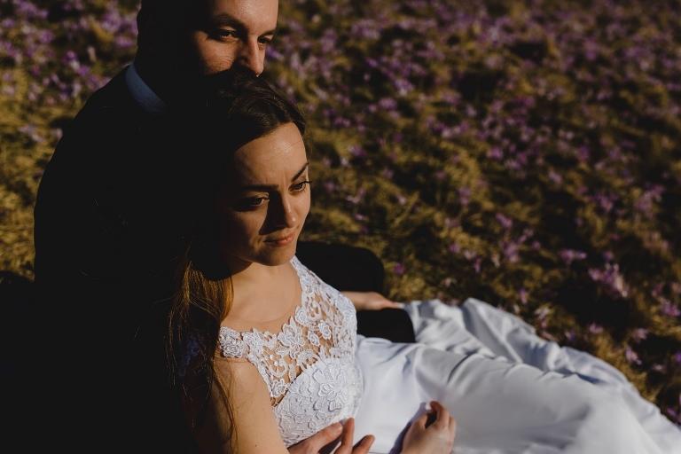 Natalia i Artur 305 krokusy, oryginalny plener ślubny, plener ślubny, sesja ślubna, sesja w tatrach
