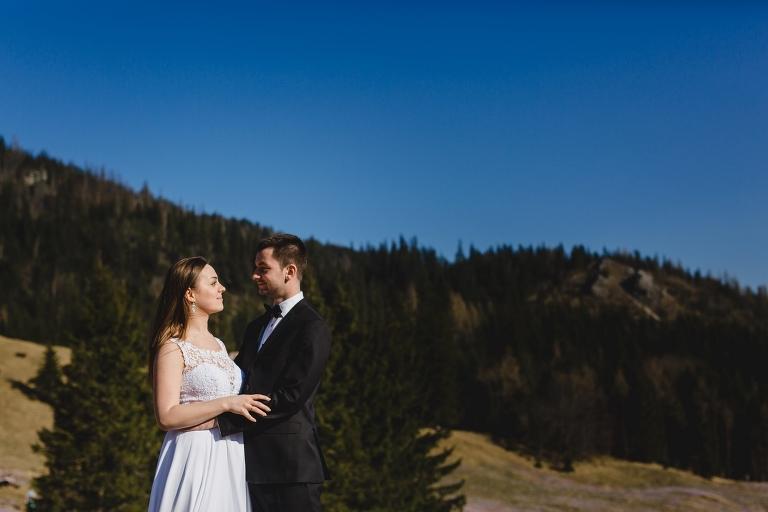 Natalia i Artur 321 krokusy, oryginalny plener ślubny, plener ślubny, sesja ślubna, sesja w tatrach