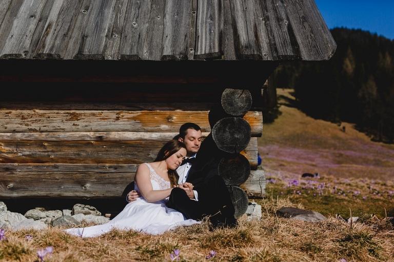 Natalia i Artur 331 krokusy, oryginalny plener ślubny, plener ślubny, sesja ślubna, sesja w tatrach