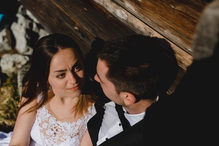 Natalia i Artur 333 krokusy, oryginalny plener ślubny, plener ślubny, sesja ślubna, sesja w tatrach
