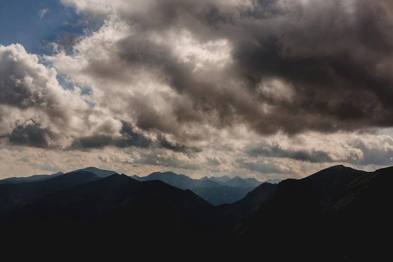 Iza i Michał - Sesja Ślubna w Tatrach 243 fotografia ślubna bochnia, Kasprowy, oryginalny plener ślubny, Robert Bereta, Sesja na Kasprowym, sesja ślubna, Sesja w górach, sesja w tatrach, Tatry
