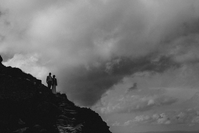 Iza i Michał - Sesja Ślubna w Tatrach 267 fotografia ślubna bochnia, Kasprowy, oryginalny plener ślubny, Robert Bereta, Sesja na Kasprowym, sesja ślubna, Sesja w górach, sesja w tatrach, Tatry