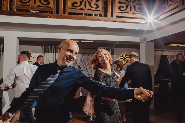 Aga i Artur Reportaż | Wiwenda | Bochnia - Połom Duży 827 oryginalny plener ślubny, Połom Duży, Sesja, sesja ślubna, sesja w szklarni, wedding session, wesele, Wiwenda, zdjęcia ślubne