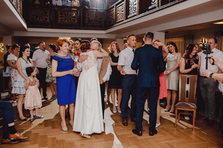Aga i Artur Reportaż | Wiwenda | Bochnia - Połom Duży 847 oryginalny plener ślubny, Połom Duży, Sesja, sesja ślubna, sesja w szklarni, wedding session, wesele, Wiwenda, zdjęcia ślubne