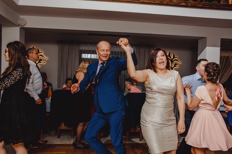 Aga i Artur Reportaż | Wiwenda | Bochnia - Połom Duży 853 oryginalny plener ślubny, Połom Duży, Sesja, sesja ślubna, sesja w szklarni, wedding session, wesele, Wiwenda, zdjęcia ślubne