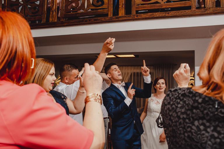 Aga i Artur Reportaż | Wiwenda | Bochnia - Połom Duży 855 oryginalny plener ślubny, Połom Duży, Sesja, sesja ślubna, sesja w szklarni, wedding session, wesele, Wiwenda, zdjęcia ślubne