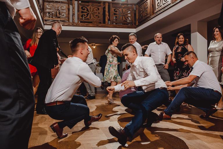 Aga i Artur Reportaż | Wiwenda | Bochnia - Połom Duży 867 oryginalny plener ślubny, Połom Duży, Sesja, sesja ślubna, sesja w szklarni, wedding session, wesele, Wiwenda, zdjęcia ślubne