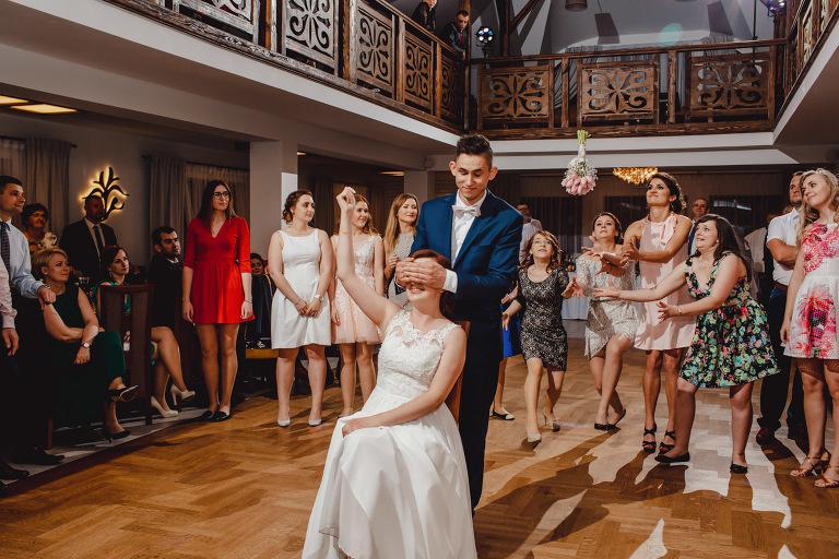 Aga i Artur Reportaż | Wiwenda | Bochnia - Połom Duży 883 oryginalny plener ślubny, Połom Duży, Sesja, sesja ślubna, sesja w szklarni, wedding session, wesele, Wiwenda, zdjęcia ślubne