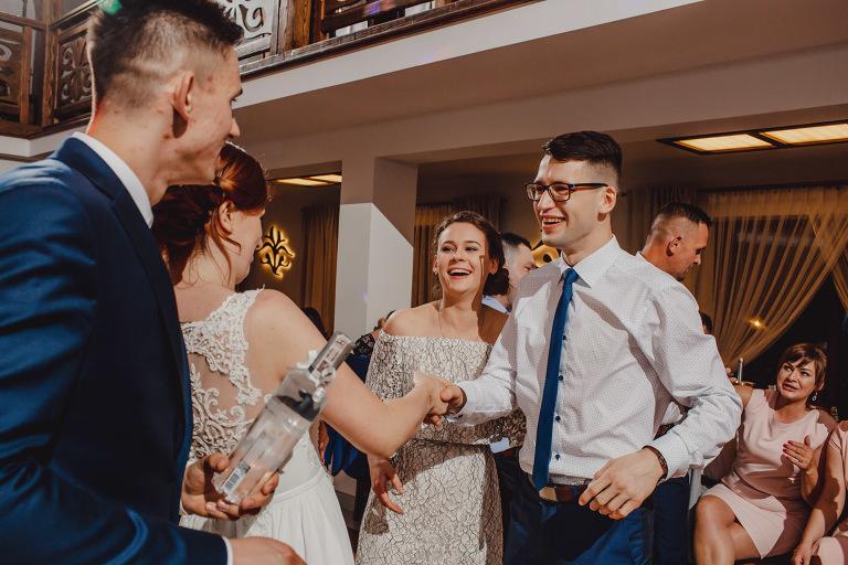 Aga i Artur Reportaż | Wiwenda | Bochnia - Połom Duży 889 oryginalny plener ślubny, Połom Duży, Sesja, sesja ślubna, sesja w szklarni, wedding session, wesele, Wiwenda, zdjęcia ślubne