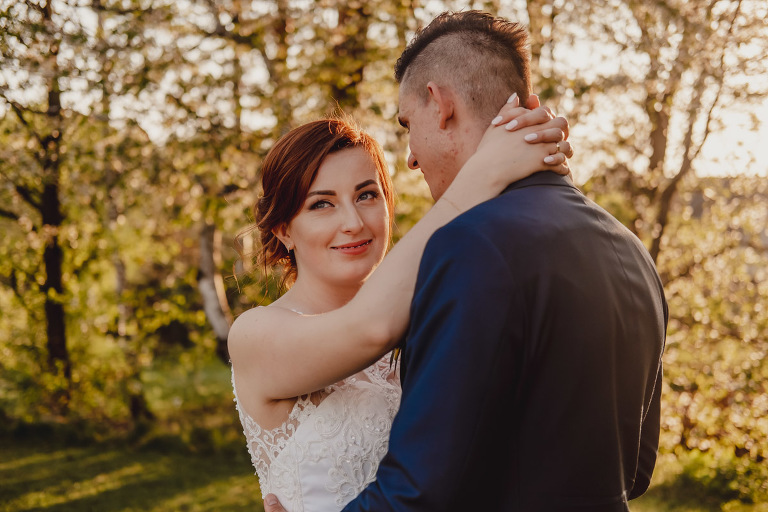 Aga i Artur Reportaż | Wiwenda | Bochnia - Połom Duży 905 oryginalny plener ślubny, Połom Duży, Sesja, sesja ślubna, sesja w szklarni, wedding session, wesele, Wiwenda, zdjęcia ślubne