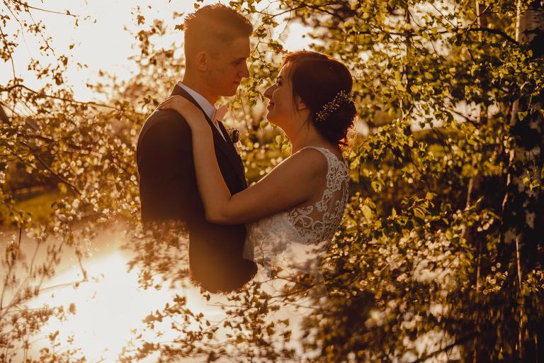 Aga i Artur Reportaż | Wiwenda | Bochnia - Połom Duży 919 oryginalny plener ślubny, Połom Duży, Sesja, sesja ślubna, sesja w szklarni, wedding session, wesele, Wiwenda, zdjęcia ślubne