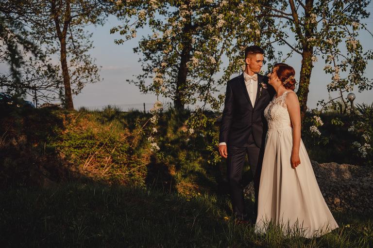 Aga i Artur Reportaż | Wiwenda | Bochnia - Połom Duży 929 oryginalny plener ślubny, Połom Duży, Sesja, sesja ślubna, sesja w szklarni, wedding session, wesele, Wiwenda, zdjęcia ślubne