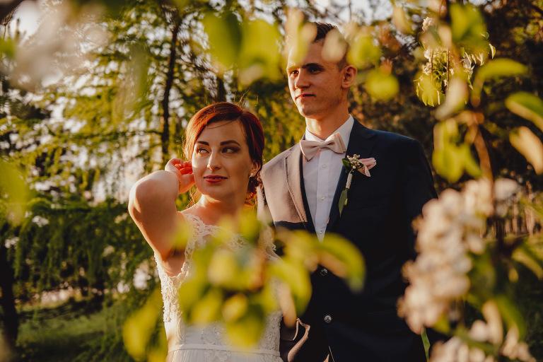 Aga i Artur Reportaż | Wiwenda | Bochnia - Połom Duży 933 oryginalny plener ślubny, Połom Duży, Sesja, sesja ślubna, sesja w szklarni, wedding session, wesele, Wiwenda, zdjęcia ślubne