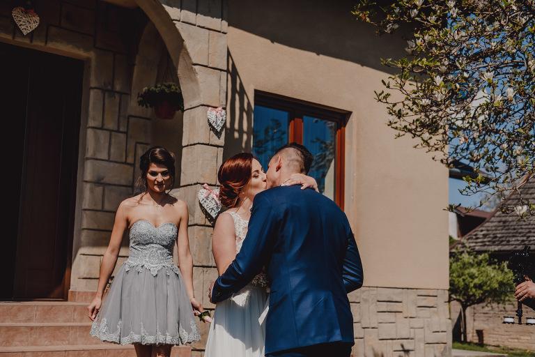 Aga i Artur Reportaż | Wiwenda | Bochnia - Połom Duży 679 oryginalny plener ślubny, Połom Duży, Sesja, sesja ślubna, sesja w szklarni, wedding session, wesele, Wiwenda, zdjęcia ślubne