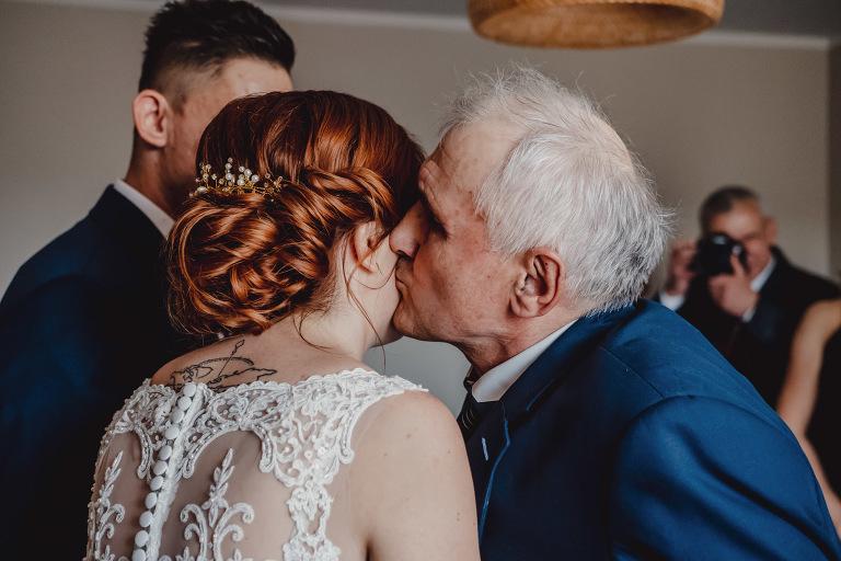 Aga i Artur Reportaż | Wiwenda | Bochnia - Połom Duży 691 oryginalny plener ślubny, Połom Duży, Sesja, sesja ślubna, sesja w szklarni, wedding session, wesele, Wiwenda, zdjęcia ślubne