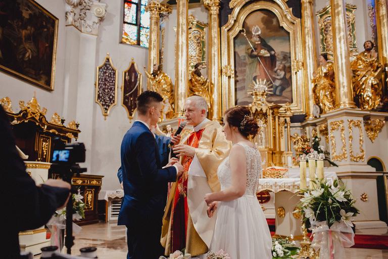 Aga i Artur Reportaż | Wiwenda | Bochnia - Połom Duży 743 oryginalny plener ślubny, Połom Duży, Sesja, sesja ślubna, sesja w szklarni, wedding session, wesele, Wiwenda, zdjęcia ślubne