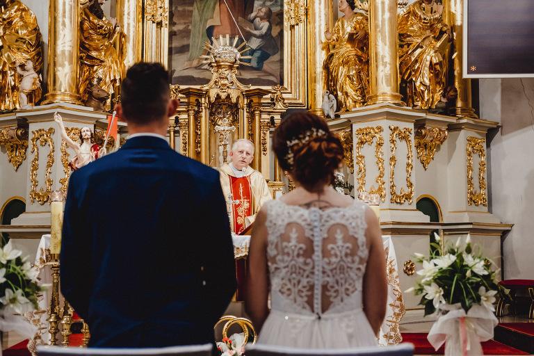 Aga i Artur Reportaż | Wiwenda | Bochnia - Połom Duży 755 oryginalny plener ślubny, Połom Duży, Sesja, sesja ślubna, sesja w szklarni, wedding session, wesele, Wiwenda, zdjęcia ślubne
