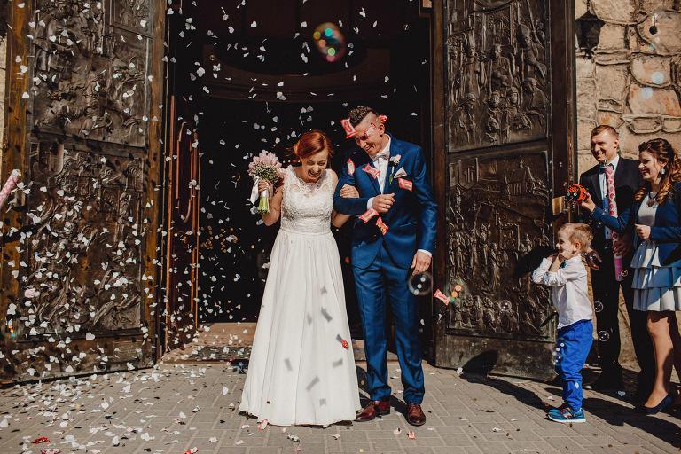 Aga i Artur Reportaż | Wiwenda | Bochnia - Połom Duży 759 oryginalny plener ślubny, Połom Duży, Sesja, sesja ślubna, sesja w szklarni, wedding session, wesele, Wiwenda, zdjęcia ślubne