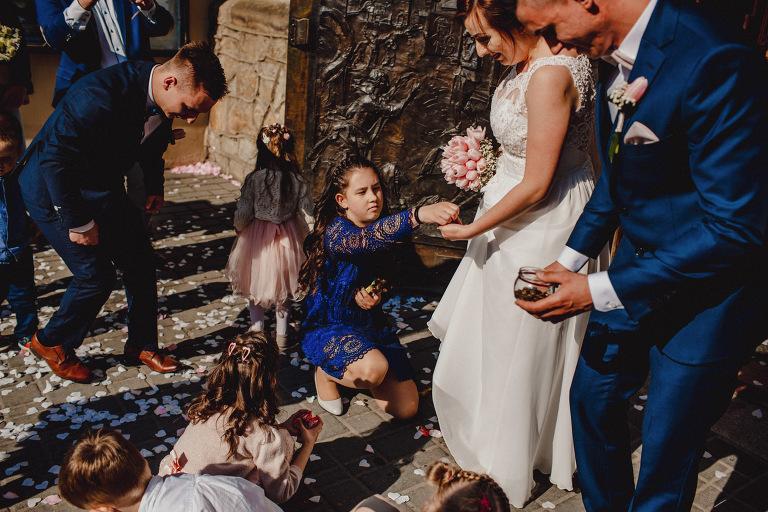Aga i Artur Reportaż | Wiwenda | Bochnia - Połom Duży 761 oryginalny plener ślubny, Połom Duży, Sesja, sesja ślubna, sesja w szklarni, wedding session, wesele, Wiwenda, zdjęcia ślubne