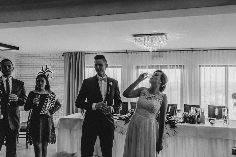 Aga i Artur Reportaż | Wiwenda | Bochnia - Połom Duży 787 oryginalny plener ślubny, Połom Duży, Sesja, sesja ślubna, sesja w szklarni, wedding session, wesele, Wiwenda, zdjęcia ślubne