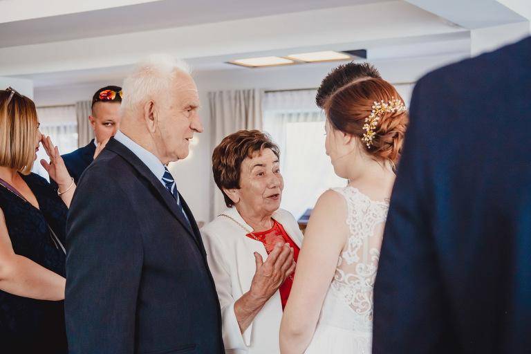 Aga i Artur Reportaż | Wiwenda | Bochnia - Połom Duży 789 oryginalny plener ślubny, Połom Duży, Sesja, sesja ślubna, sesja w szklarni, wedding session, wesele, Wiwenda, zdjęcia ślubne