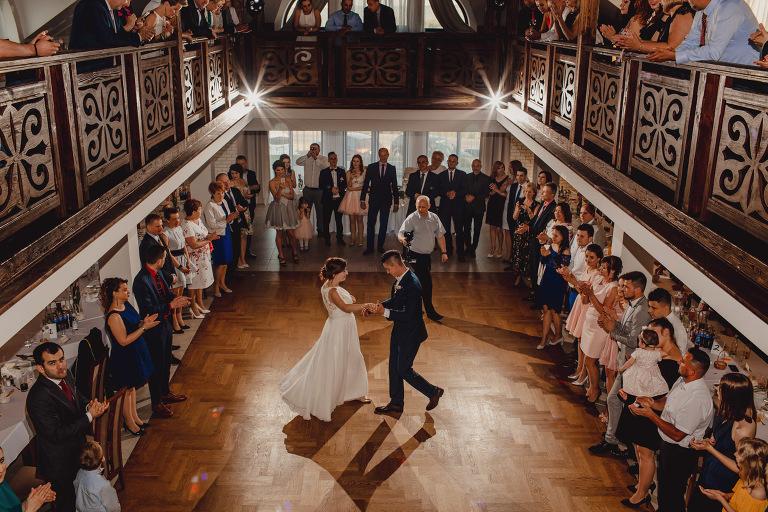 Aga i Artur Reportaż | Wiwenda | Bochnia - Połom Duży 813 oryginalny plener ślubny, Połom Duży, Sesja, sesja ślubna, sesja w szklarni, wedding session, wesele, Wiwenda, zdjęcia ślubne