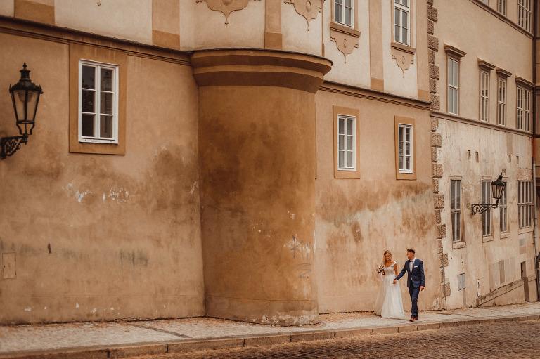 Monika i Rafał - Sesja ślubna w Pradze 11 fotografia ślubna bochnia, fotografia ślubna kraków, oryginalny plener ślubny, plener ślubny, Praga, Robert Bereta, Sesja, sesja ślubna, Sesja ślubna w Pradze, sesja ślubna zagraniczna, zdjęcia rustykalne