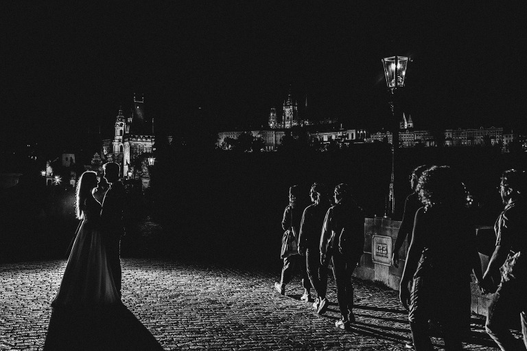 Monika i Rafał - Sesja ślubna w Pradze 99 fotografia ślubna bochnia, fotografia ślubna kraków, oryginalny plener ślubny, plener ślubny, Praga, Robert Bereta, Sesja, sesja ślubna, Sesja ślubna w Pradze, sesja ślubna zagraniczna, zdjęcia rustykalne