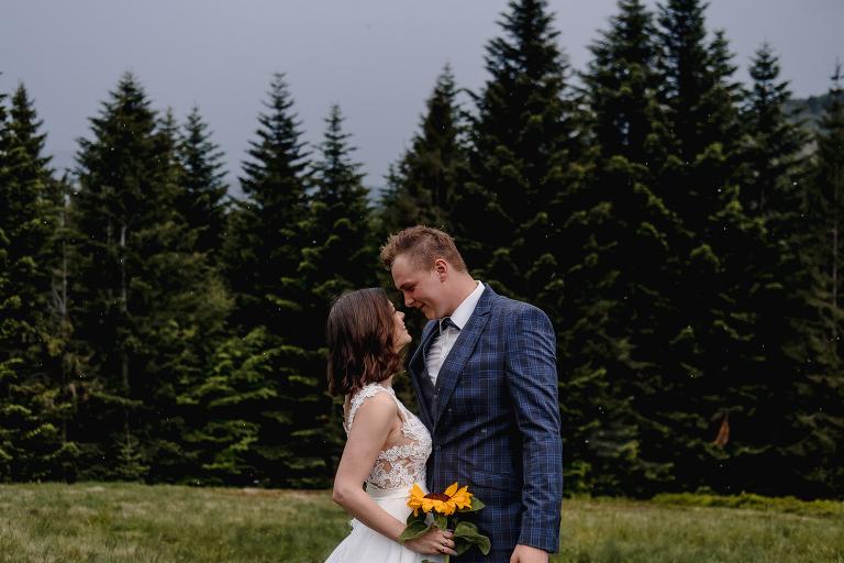 Ania i Adam | Kiedy w górach pada deszcz | Sesja ślubna 15