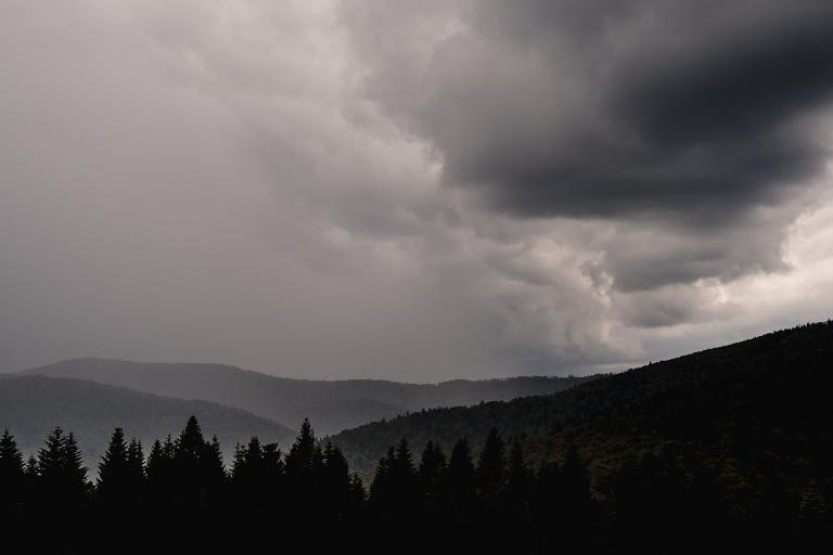 Ania i Adam | Kiedy w górach pada deszcz | Sesja ślubna 25