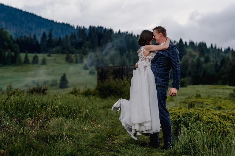 Ania i Adam | Kiedy w górach pada deszcz | Sesja ślubna 33