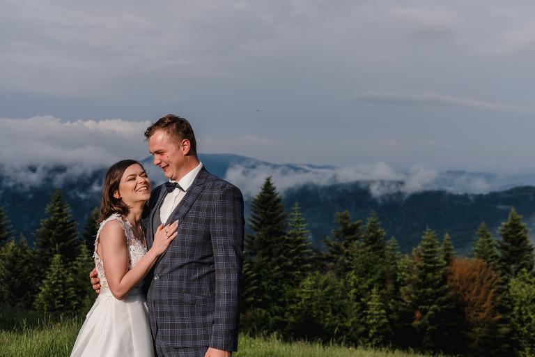 Ania i Adam | Kiedy w górach pada deszcz | Sesja ślubna 9