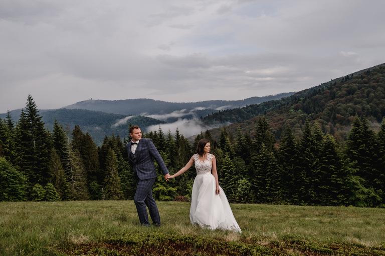 Ania i Adam | Kiedy w górach pada deszcz | Sesja ślubna 83