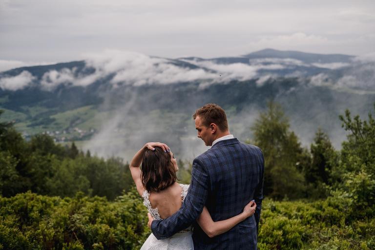 Ania i Adam | Kiedy w górach pada deszcz | Sesja ślubna 93
